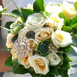 Succulents_feature_in_a_wedding-Bouquet